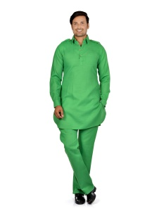 S9 Men Green Solid Pathani Kurta Pyjama
