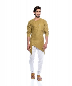 S9 Men Royal Tan Colored Kurta with white Pyjama as a Set & With a Stylish Brooch